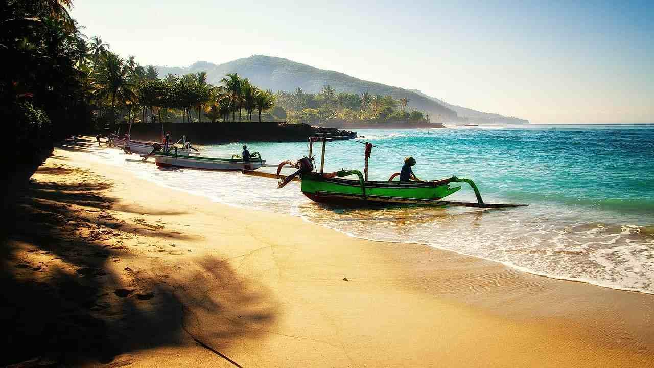 Headlines Strand auf Bali - sagen, was User bekommen